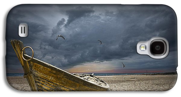 Summer Storm Galaxy S4 Cases - Boat with gulls on the beach with oncoming storm Galaxy S4 Case by Randall Nyhof