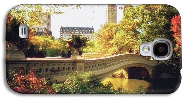 Autumn Trees Galaxy S4 Cases - Bow Bridge - Autumn - Central Park Galaxy S4 Case by Vivienne Gucwa