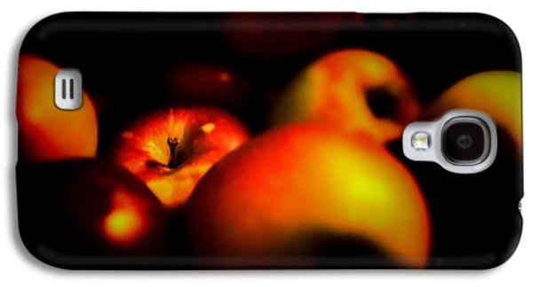 Apple Photographs Galaxy S4 Cases - Bowl Of Apples Galaxy S4 Case by Bob Orsillo