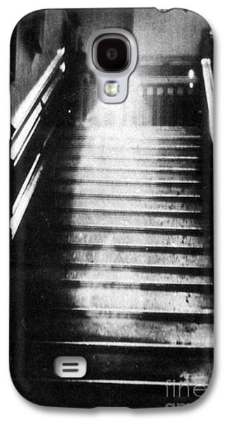 Spiritualism Galaxy S4 Cases - Brown Lady Of Raynham Hall Ghost 1936 Galaxy S4 Case by Photo Researchers