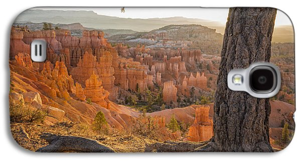 Sunbeams Galaxy S4 Cases - Bryce Canyon National Park Sunrise 2 - Utah Galaxy S4 Case by Brian Harig