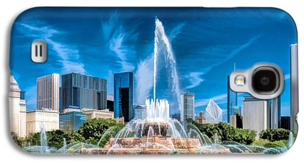 Skylines Paintings Galaxy S4 Cases - Buckingham Fountain Skyline Panorama Galaxy S4 Case by Christopher Arndt