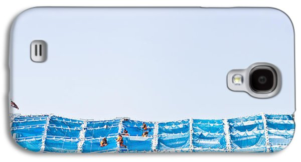 Working Conditions Photographs Galaxy S4 Cases - Building work Galaxy S4 Case by Tom Gowanlock