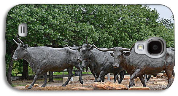 Cattle Drive Photographs Galaxy S4 Cases - Bull Market Galaxy S4 Case by Christine Till