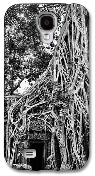 Tree Roots Galaxy S4 Cases - BW Roots Ta Prohm Galaxy S4 Case by Chuck Kuhn
