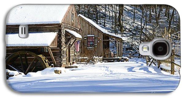 Winter Road Scenes Galaxy S4 Cases - Cabin Fever Galaxy S4 Case by Paul Ward