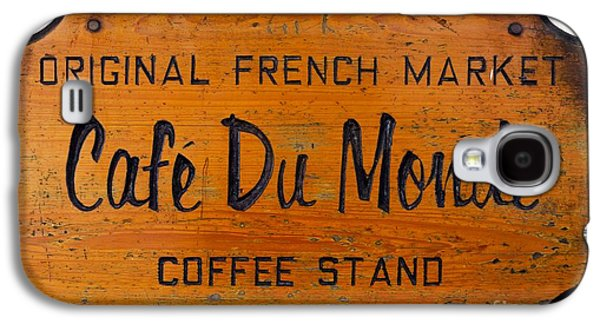 Louisiana Photographs Galaxy S4 Cases - Cafe Du Monde Sign in New Orleans Louisiana Galaxy S4 Case by Paul Velgos