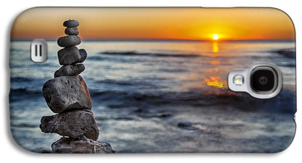 Monolith Galaxy S4 Cases - Cairn at Sunrise Galaxy S4 Case by Scott Norris
