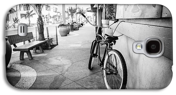 Main Street Galaxy S4 Cases - California Beach Cruiser Bike Black and White Photo Galaxy S4 Case by Paul Velgos