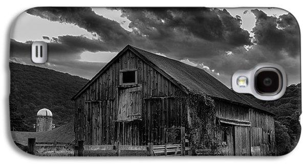 Farmscape Galaxy S4 Cases - Caseys Barn-Black and White  Galaxy S4 Case by Thomas Schoeller