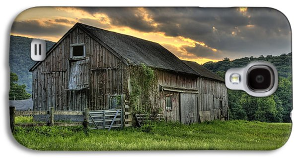 Old Barns Galaxy S4 Cases - Caseys Barn Galaxy S4 Case by Thomas Schoeller