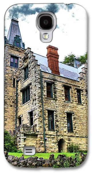 Old House Photographs Galaxy S4 Cases - Castle Living Galaxy S4 Case by Dan Sproul