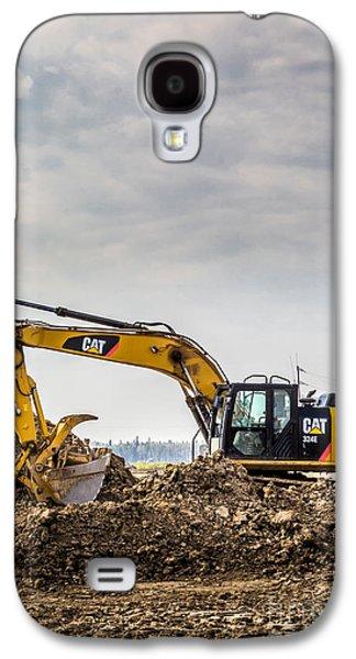 Mining Photos Galaxy S4 Cases - Caterpillar 324E Galaxy S4 Case by Alanna DPhoto