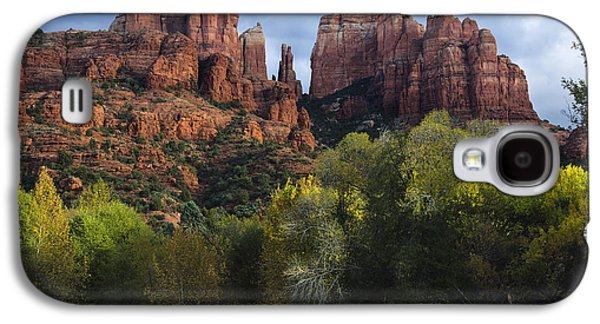 Cathedral Rock Photographs Galaxy S4 Cases - Cathedral Rock Fall Colors Galaxy S4 Case by Dave Dilli