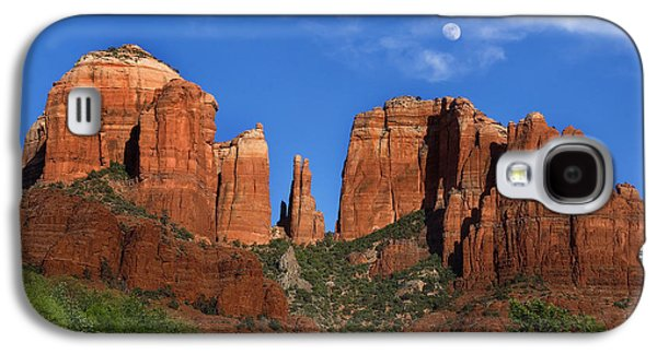 Cathedral Rock Moon Rise Color Galaxy S4 Case by Dave Dilli