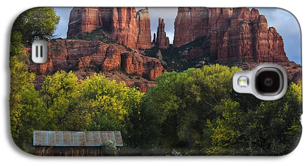 Cathedral Rock With Fall Colors And Rustic Building Galaxy S4 Case by Dave Dilli