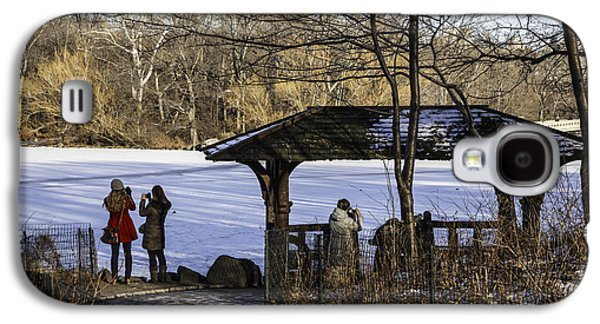 Snowy Day Galaxy S4 Cases - Central Park Photo Op 2 - NYC Galaxy S4 Case by Madeline Ellis