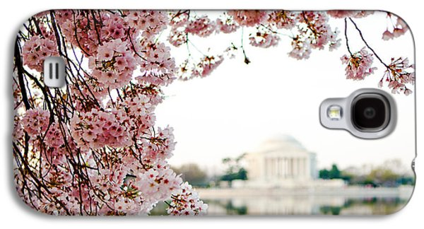 Cherry Blossoms Galaxy S4 Cases - Cherry Blossoms Framing the Jefferson Memorial Galaxy S4 Case by Susan  Schmitz