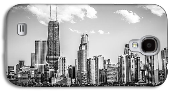 Chicago Skyline Picture In Black And White Galaxy S4 Case by Paul Velgos