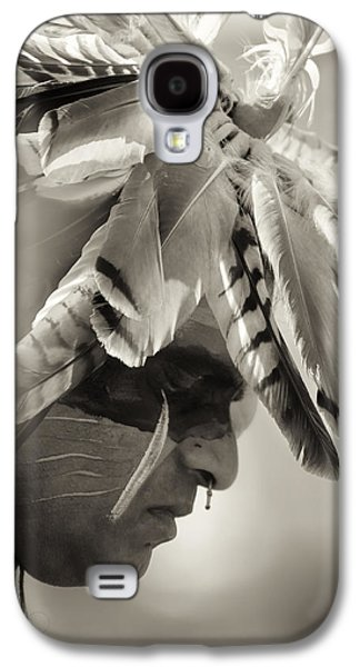 Native American Spirit Portrait Galaxy S4 Cases - Chippewa Indian dancer Galaxy S4 Case by Dick Wood