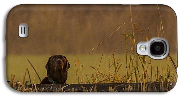 Chocolate Labrador Retriever Galaxy S4 Cases - Chocolate Lab Hunting Ducks Galaxy S4 Case by Jean Noren