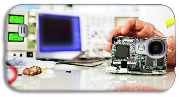 Circuit Board Galaxy S4 Case by Wladimir Bulgar