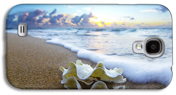 Ocean Art Photography Galaxy S4 Cases - Clam foam Galaxy S4 Case by Sean Davey