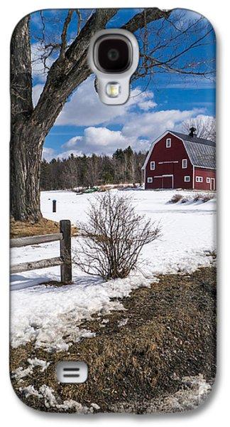 Red Barns Galaxy S4 Cases - Classic New England Farm Scene Galaxy S4 Case by Edward Fielding