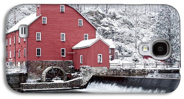 Red Barn In Winter Galaxy S4 Cases - Clinton Red Mill In Snow With Geese Galaxy S4 Case by Rocco Chiara