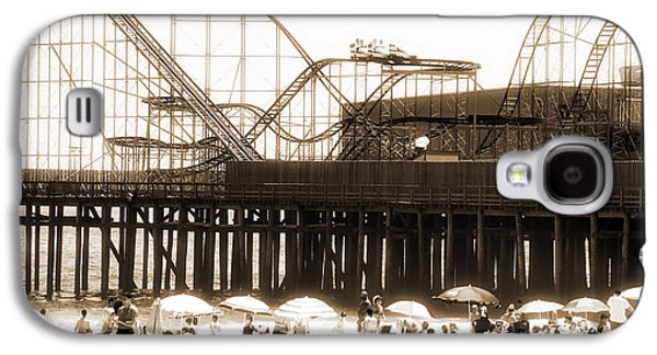 Seaside Heights Photographs Galaxy S4 Cases - Coaster Ride Galaxy S4 Case by John Rizzuto