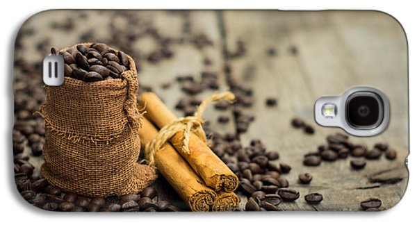 Miniature Photographs Galaxy S4 Cases - Coffee beans and cinnamon stick Galaxy S4 Case by Aged Pixel