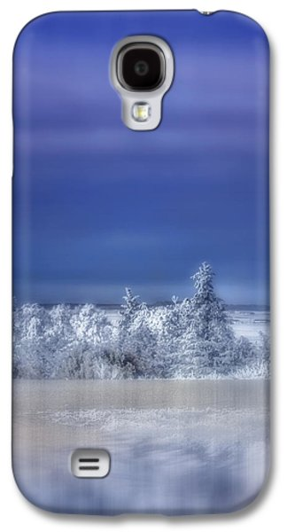 Snow-covered Landscape Digital Art Galaxy S4 Cases - Cold Winter Day Galaxy S4 Case by Ellen Heaverlo