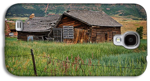 Log Cabin Photographs Galaxy S4 Cases - Collapsed Log House in Utah Galaxy S4 Case by Louise Heusinkveld