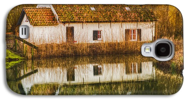 Cottage Galaxy S4 Cases - Cottage Reflection Galaxy S4 Case by Wim Lanclus