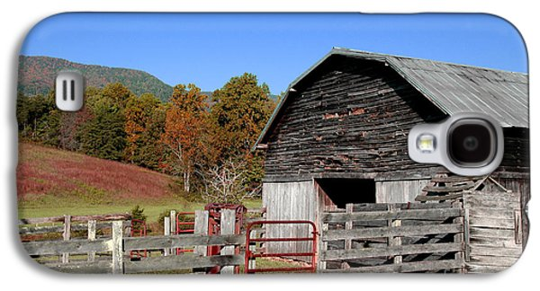 Country Barn Galaxy S4 Case by Jeff McJunkin