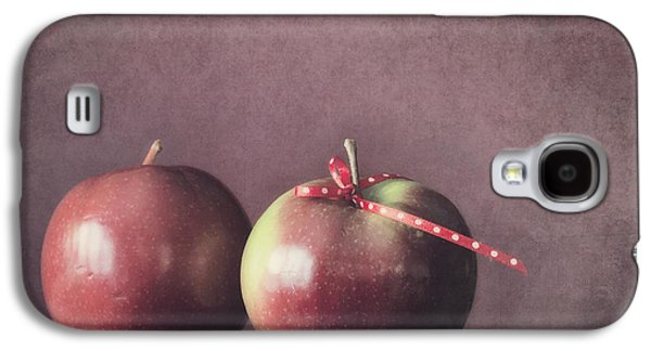 Apple Photographs Galaxy S4 Cases - Couple Galaxy S4 Case by Priska Wettstein