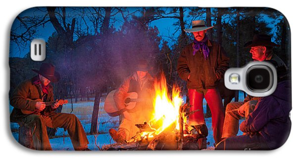Snowy Evening Galaxy S4 Cases - Cowboy Campfire Galaxy S4 Case by Inge Johnsson