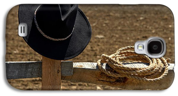 Western Photographs Galaxy S4 Cases - Cowboy Hat and Rope on Fence Galaxy S4 Case by Olivier Le Queinec