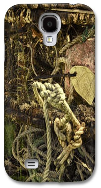 Meshed Photographs Galaxy S4 Cases - Crabbing Relics Galaxy S4 Case by Jean OKeeffe Macro Abundance Art