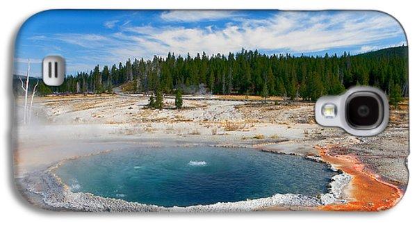Alga Galaxy S4 Cases - Crested Pool Yellowstone National Park Galaxy S4 Case by Ram Vasudev