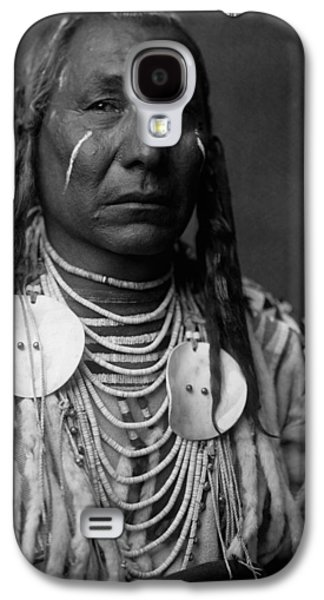 Braids Galaxy S4 Cases - Crow Indian Man circa 1908 Galaxy S4 Case by Aged Pixel