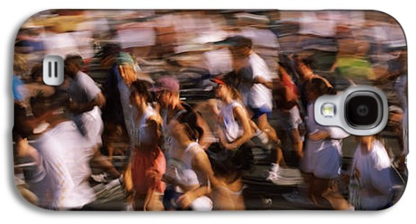 Sports Photographs Galaxy S4 Cases - Crowd Participating In A Marathon Race Galaxy S4 Case by Panoramic Images
