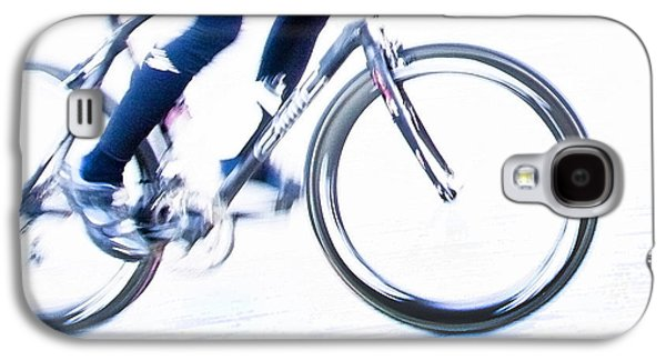 Bicycle Photographs Galaxy S4 Cases - Cycling Galaxy S4 Case by Theresa Tahara