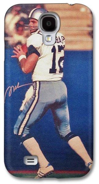 Autographed Art Galaxy S4 Cases - Dallas Cowboys Quarterback #12 Roger Staubach Galaxy S4 Case by Donna Wilson