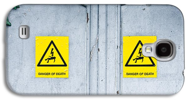 Electrical Photographs Galaxy S4 Cases - Danger of death Galaxy S4 Case by Tom Gowanlock