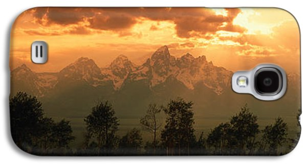 Sun Galaxy S4 Cases - Dawn Teton Range Grand Teton National Galaxy S4 Case by Panoramic Images