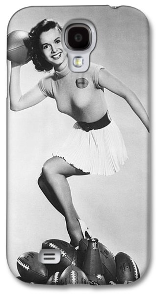 Debbie Reynolds Throws A Pass Galaxy S4 Case by Underwood Archives