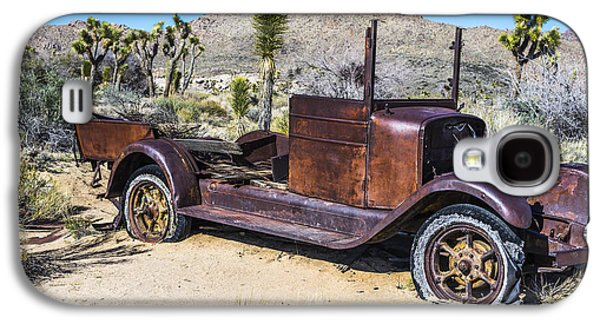 Rusted Cars Galaxy S4 Cases - Desert Car Galaxy S4 Case by Joseph S Giacalone