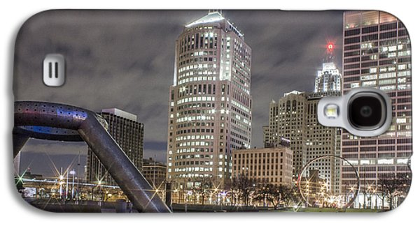 Detroit Fountain And Cityscape Galaxy S4 Case by John McGraw