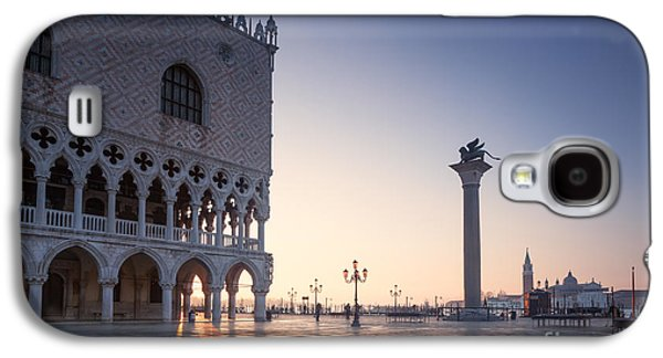 Beauty Mark Photographs Galaxy S4 Cases - Doges palace at sunrise Venice Italy Galaxy S4 Case by Matteo Colombo